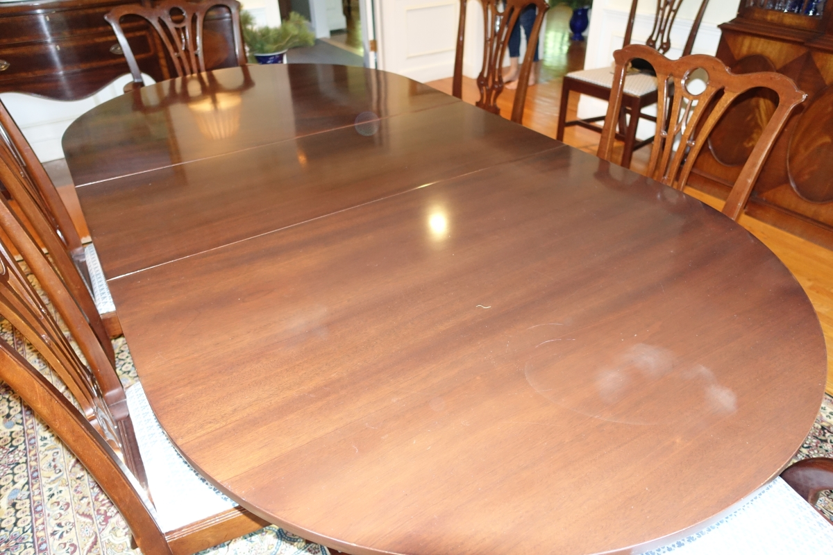 extendable-wood-table.JPG